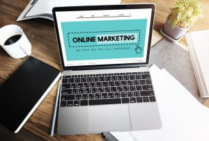 Online marketing on a laptop